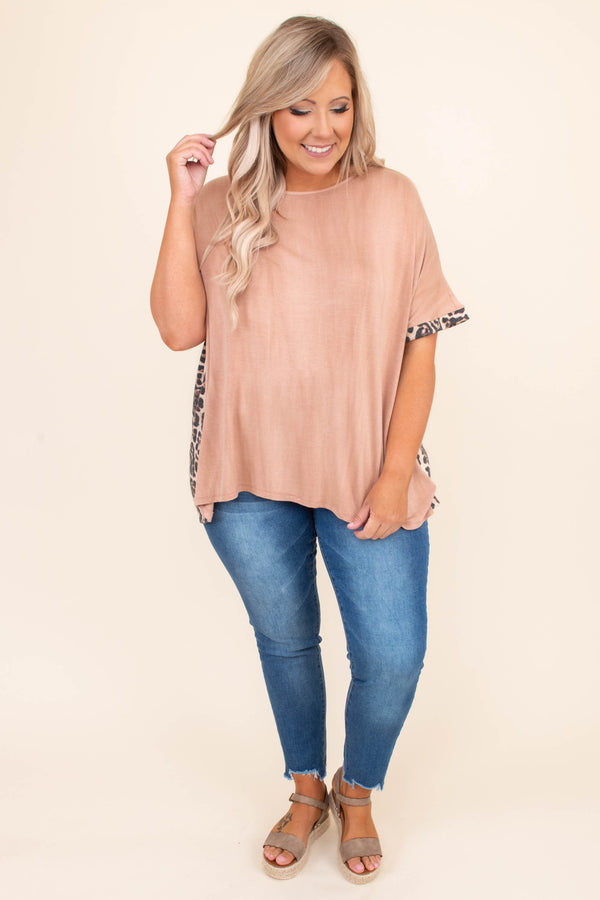 shirt, short sleeve, leopard trim sleeve, loose, comfy, nude