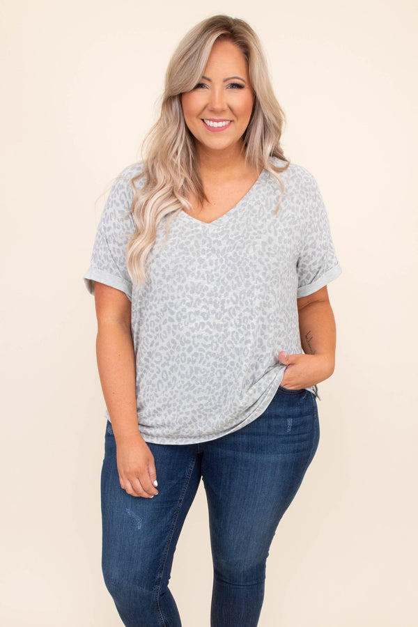 shirt, top, v neck, short sleeve, leopard, oatmeal, mid gray, loose, comfy