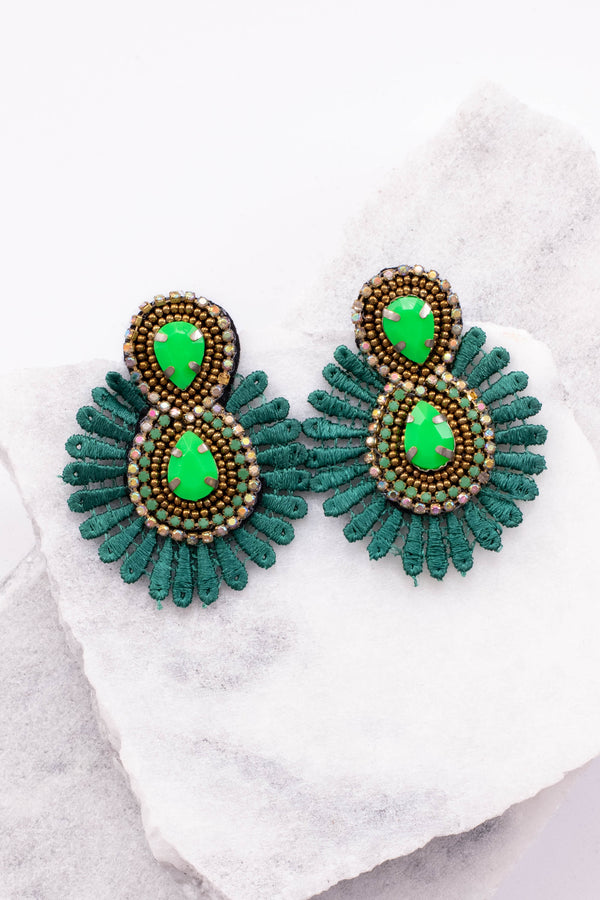 earrings, hanging, beaded, jewels, green, figure eight design