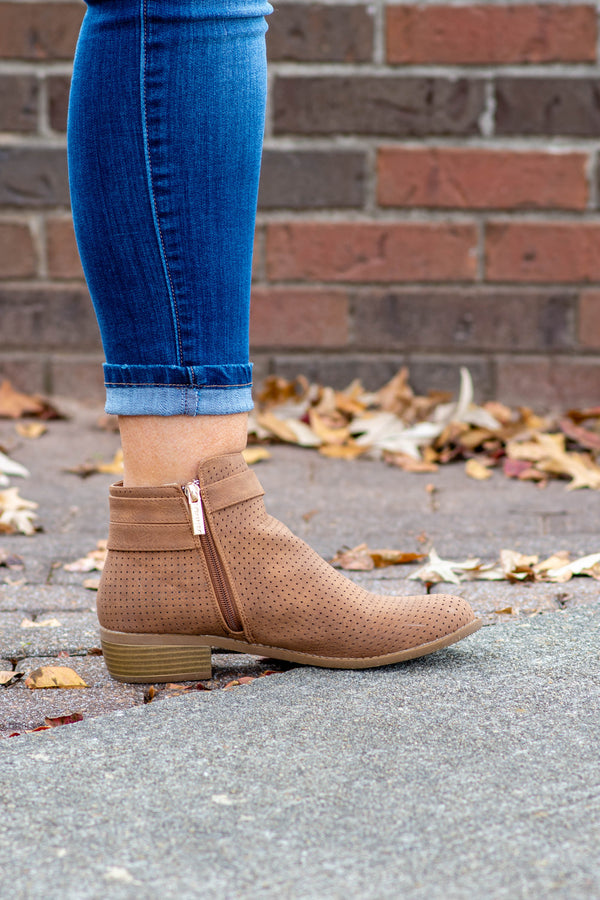 Linked Up Booties, Chestnut