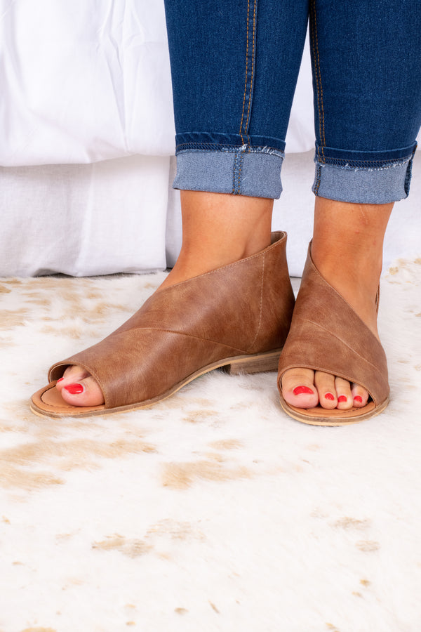shoes, flats, cognac, brown, open toe, cross design