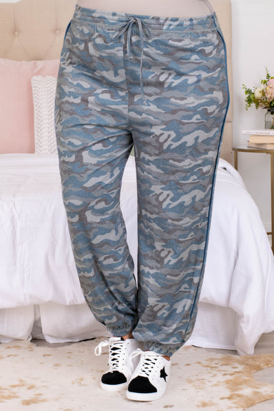 drawstring waist, long, camo, comfy, figure flattering, pants, grey, trendy