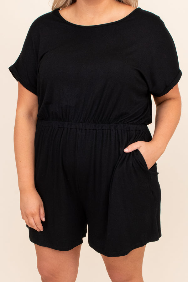 figure flattering, cinched waist, comfy, short sleeve, round neck, trendy