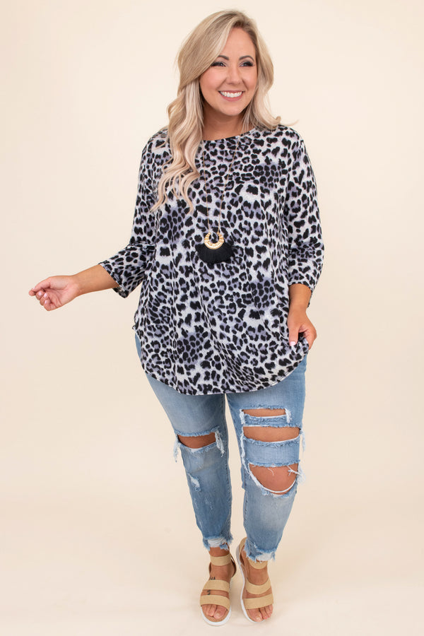 top, three quarter sleeve, leopard, grey, curved hem, casual