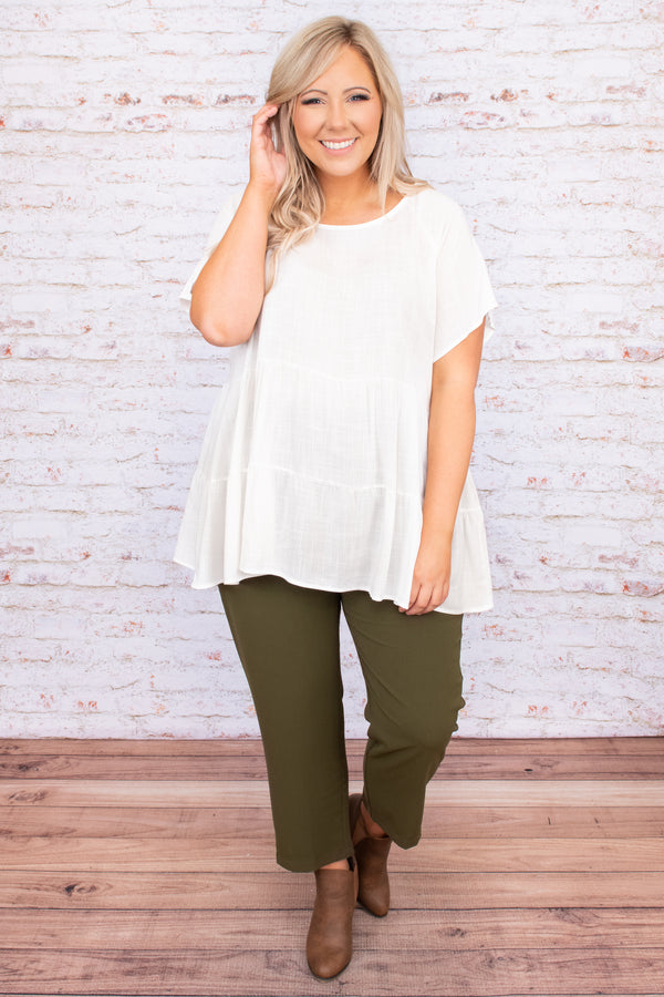 top, ivoy, tiered, short sleeve, baby doll, round neck, neutral, solid, flowy, figure flattering