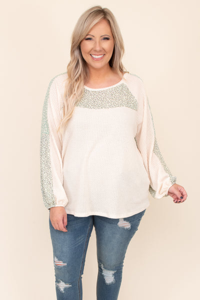 comfy, print, sleeves, round neck, top, ivory, figure flattering, detail, floral