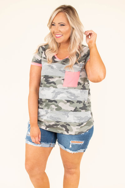 tshirt, short sleeve, chest pocket, loose, green, camo, white stripes, pink hems, pink chest pocket, comfy
