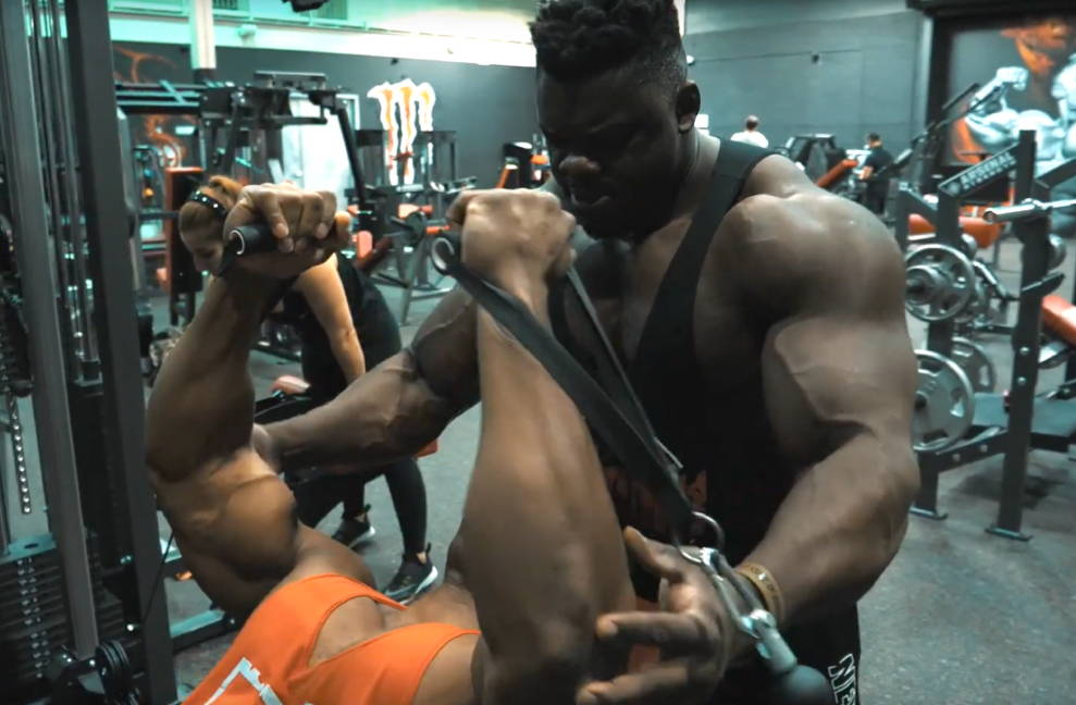 Killer Chest Day Workout with Redcon1 Athletes Blessing Awodibu & Quentin Berghmans