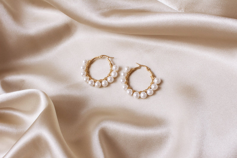 Elodie Small Shell Pearl Hoop Earrings