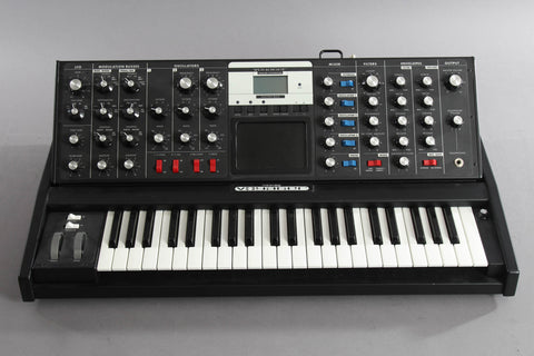 Moog Minimoog Voyager Electric Blue Edition