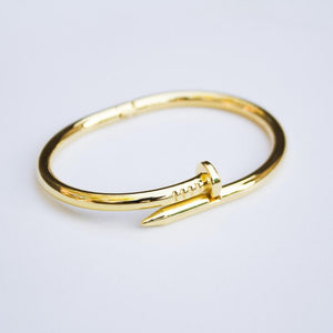 *CLEARANCE* Nail Bracelet - (Gold/White Gold)