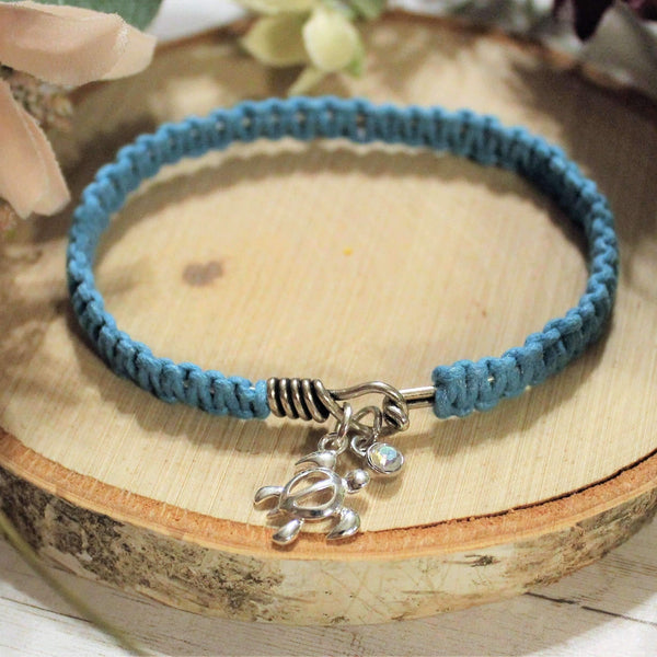 Ladybugfeet Jewelry Designs:Hawaiian Honu Sea Turtle Macrame' bangle