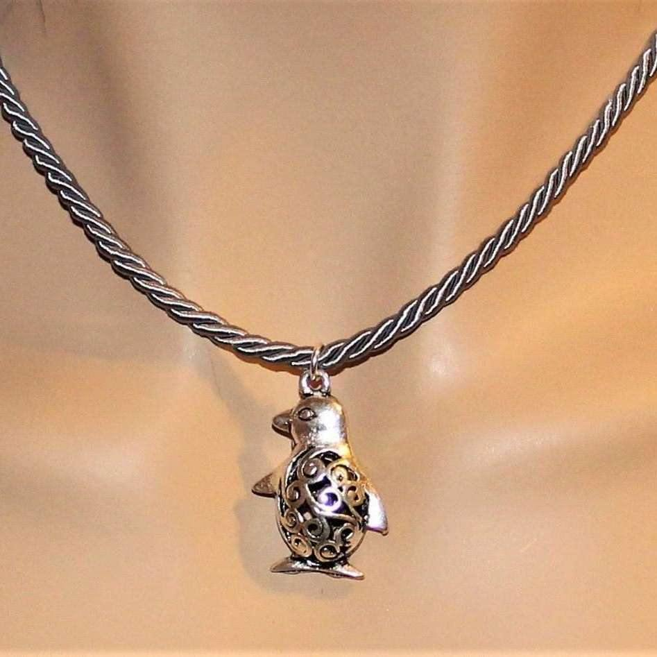 Ladybugfeet Jewelry Designs:Penguin Necklace, 16 inch