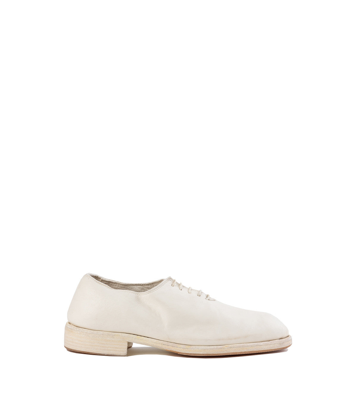 White Whole Cut Oxford Shoes