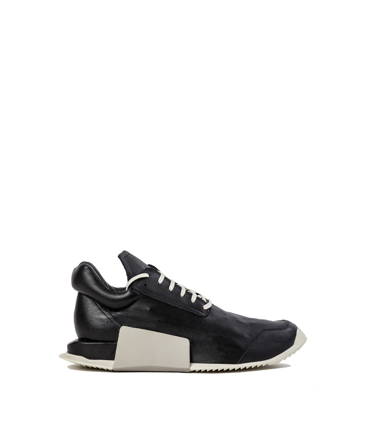 Black Level Runner Low Cut Sneakers