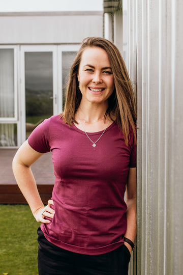 100% Organic Cotton Burgundy Tui Tee - Fitted