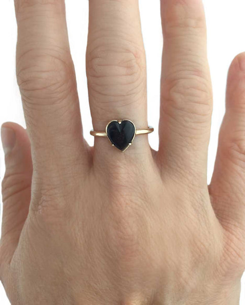 Heart Ring Onyx in Silver