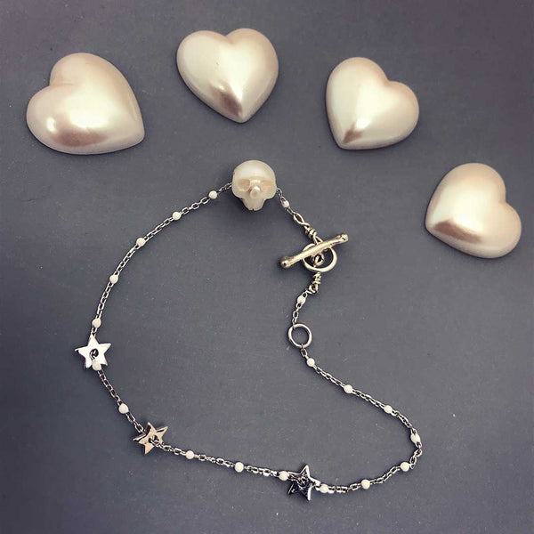 Pearl Skull Bracelet in silver and white