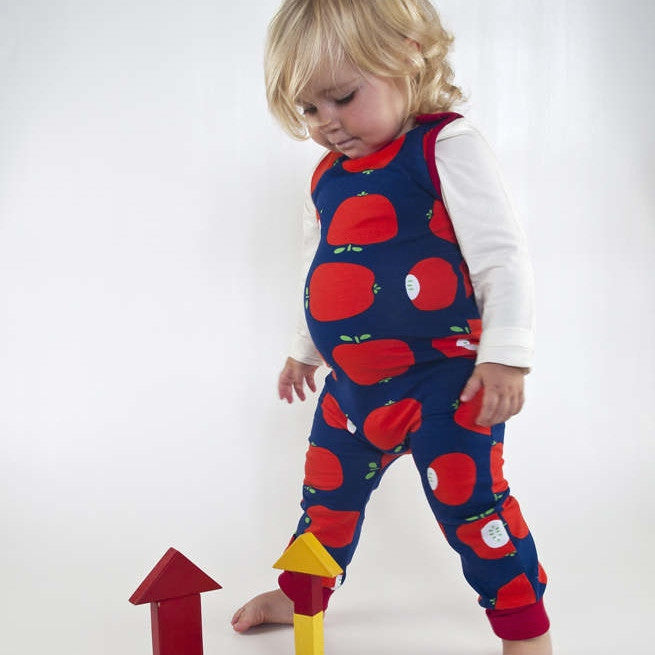 Moromini organic Scandinavian kids clothes Australia. Baby and kids organic clothing. Wholesome Gifts.