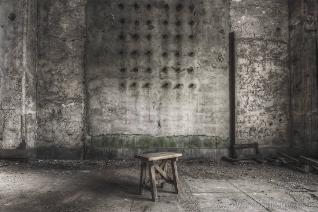 stool in front of a wall - curbed - lost collective