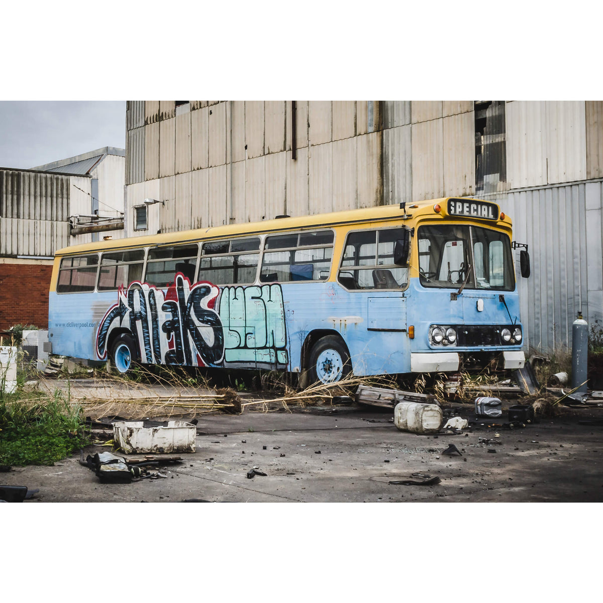 Bus | Bradmill Denim