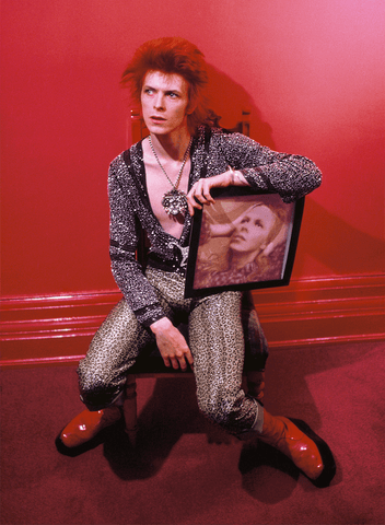 David Bowie With Hunky Dory Album Cover, Haddon Hall UK 1972, By Mick Rock