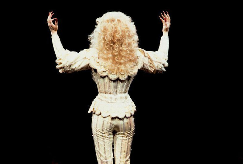 Dolly Parton 1990. By Jimmy Steinfeldt. LA MAISON REBELLE