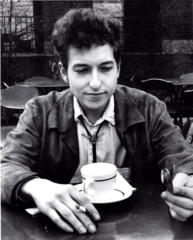 Vintage photograph of Bob Dylan, 1963. Gloria Stavers. LA MAISON REBELLE