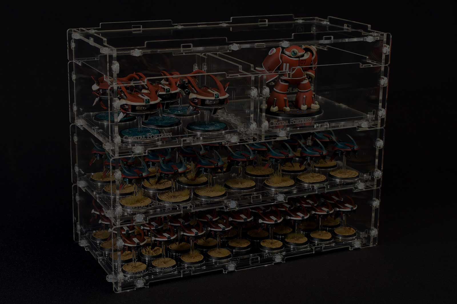 Acrylic carrying cases for miniatures