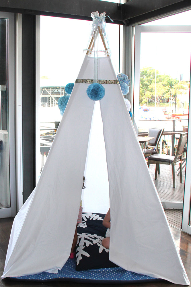 Teepee in Frozen theme