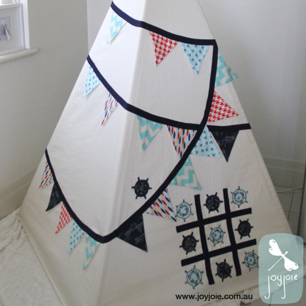 Teepee with Pirate influence bunting and game - joyjoie