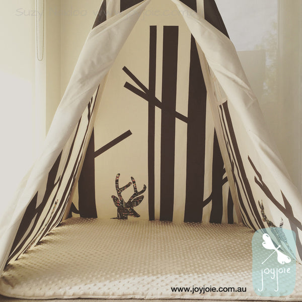 Secret Hideaway teepee with custom animals - joyjoie