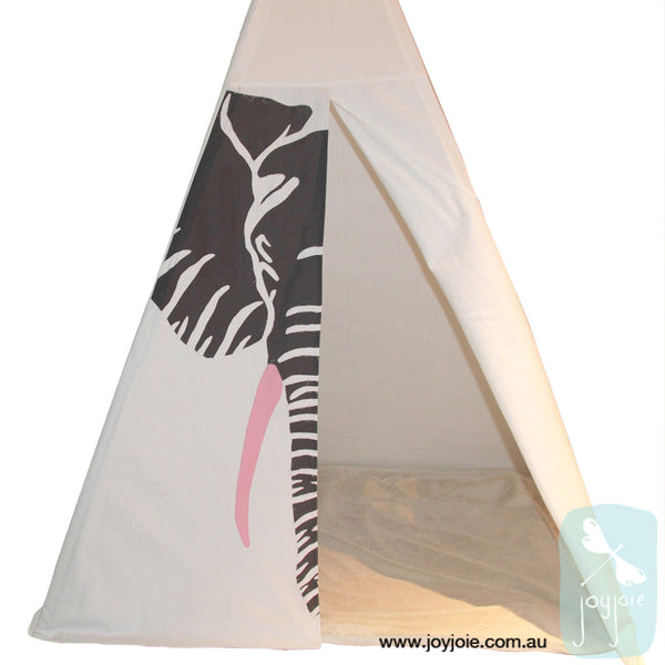 Indoor childrens elephant theme tipi