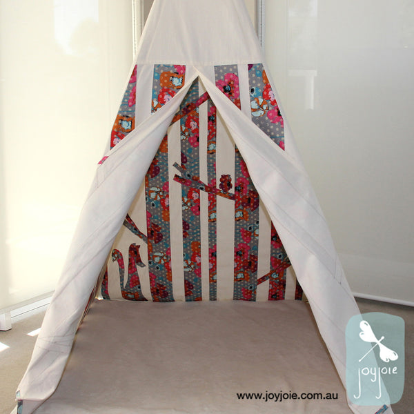 Secret Woodland Teepee – Field Study of Poppies - joyjoie
