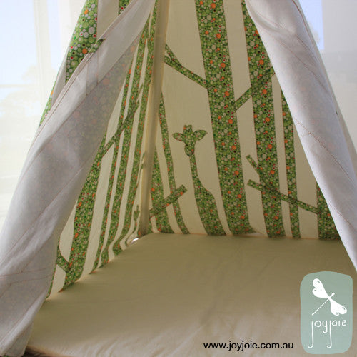 Secret Forest Teepee (Spotty Green) - joyjoie