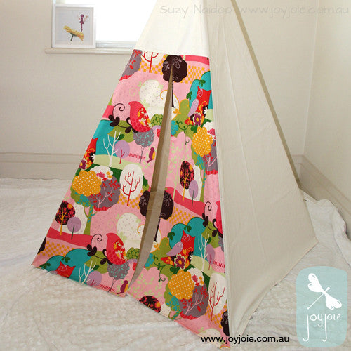Teepee with Its A Hoot fabric doors - joyjoie