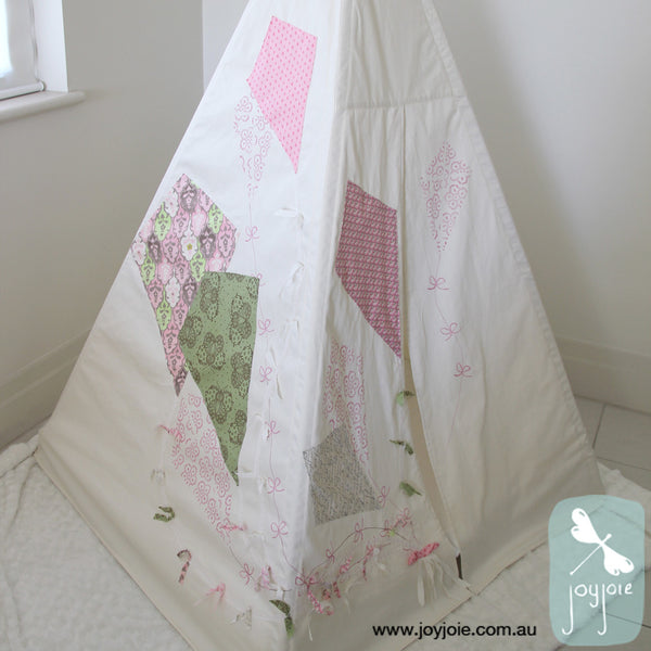 Kite Teepee in pink and green - joyjoie