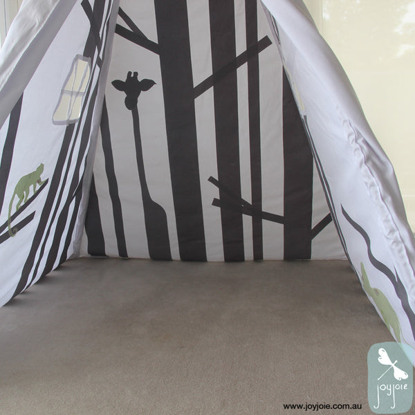 Secret Hideaway Teepee with green animals - joyjoie
