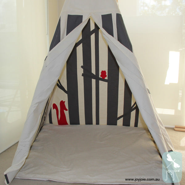 Secret Woodland Teepee – Feature Fox & Owl in red - joyjoie