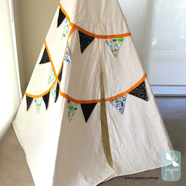 Bunting Teepee features Space - joyjoie