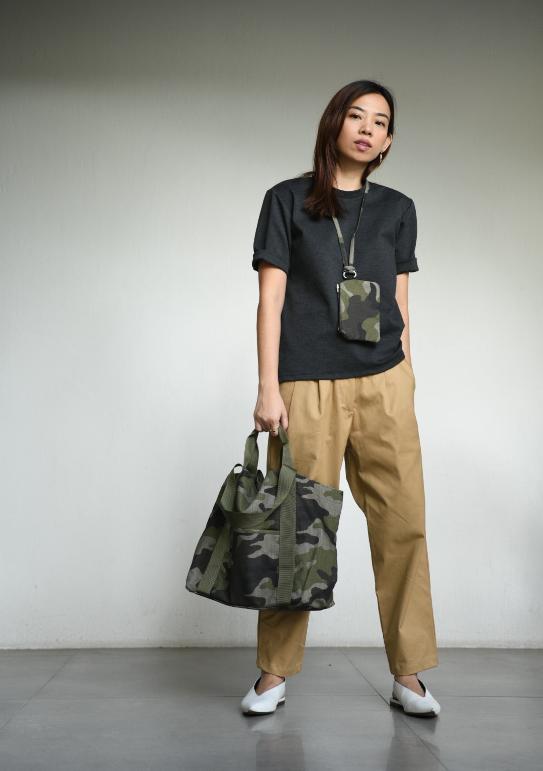 Camouflage Tote with Pouch