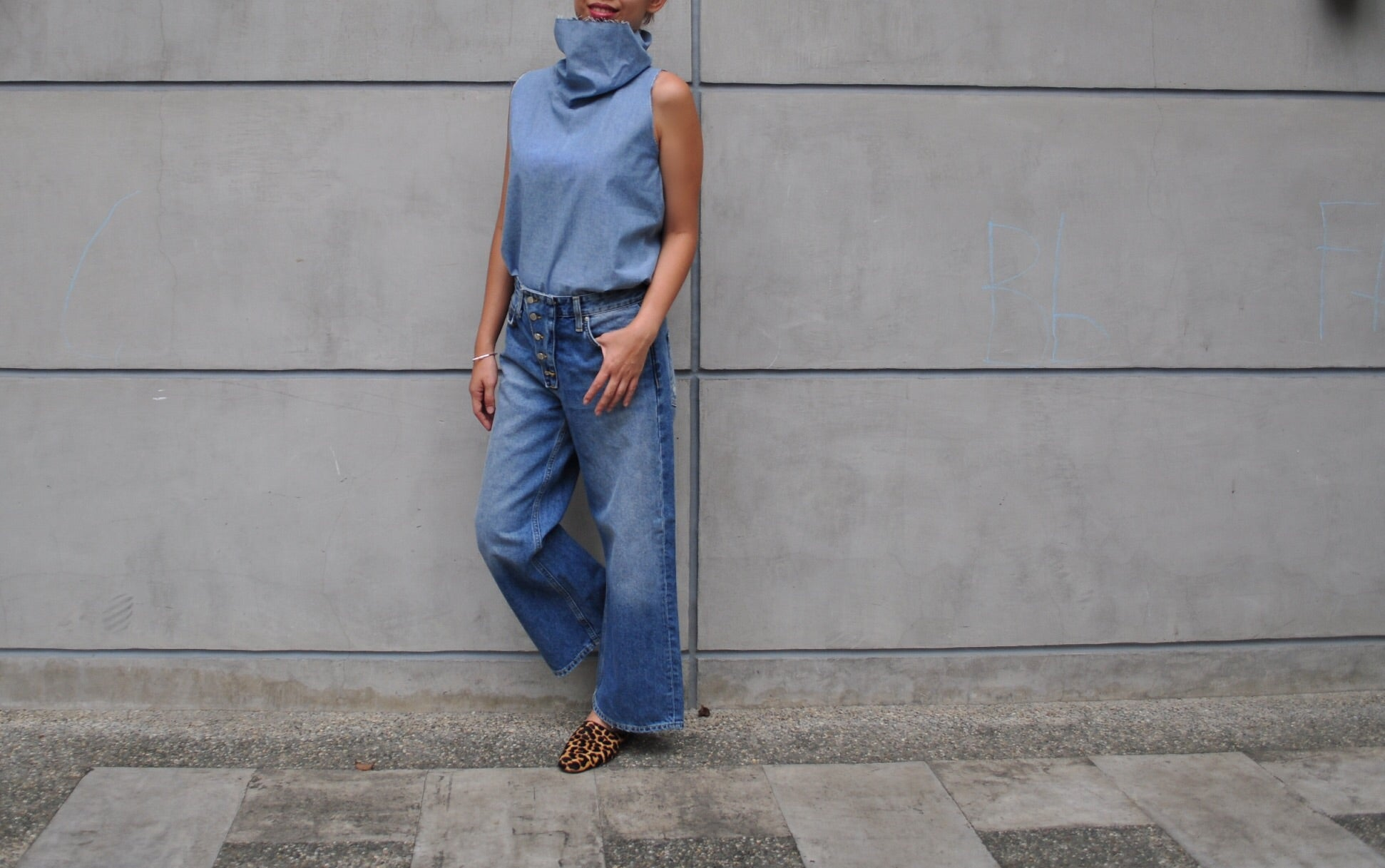 Denim Sleeveless (LW)