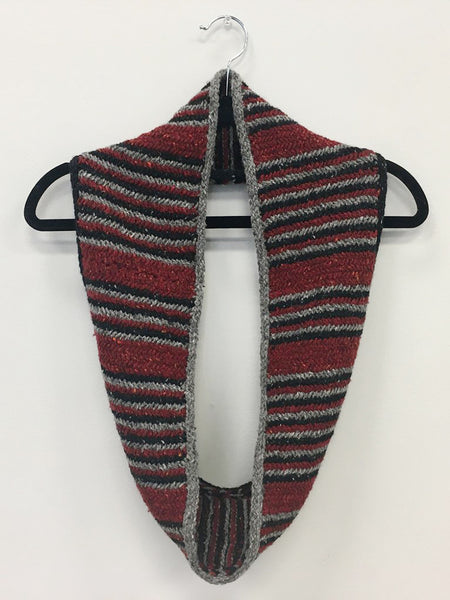 Owen Herringbone Cowl Knitting Pattern Download