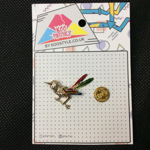 MP0015 - Textured Gold Colourful Bird Metal Pin Badge