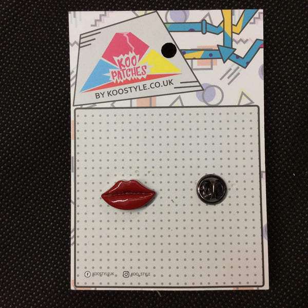 MP0070 - Kiss Red Lips Metal Pin Badge
