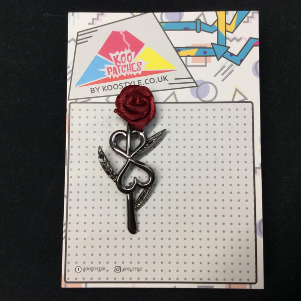 MP0201 - Red Rose Dark Silver Hearts Flower Metal Pin Badge