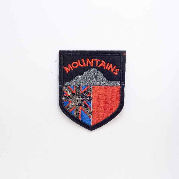 PC2250 - Sequin Mountain Badge Union Jack (Iron On)