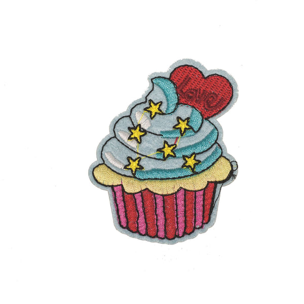 PC2262 - Cup Cake with Star Love (Iron on)