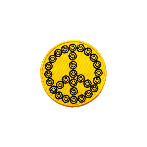 PT495 - Smiley Peace Badge (Iron on)