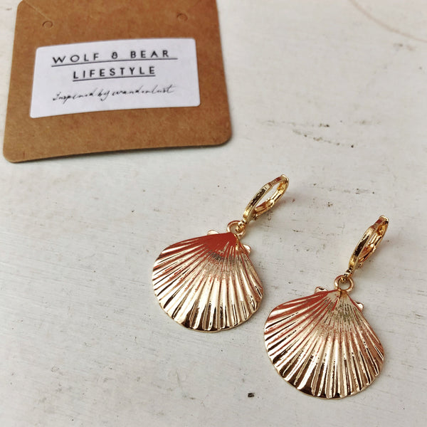 SCALLOP DROP EARRING